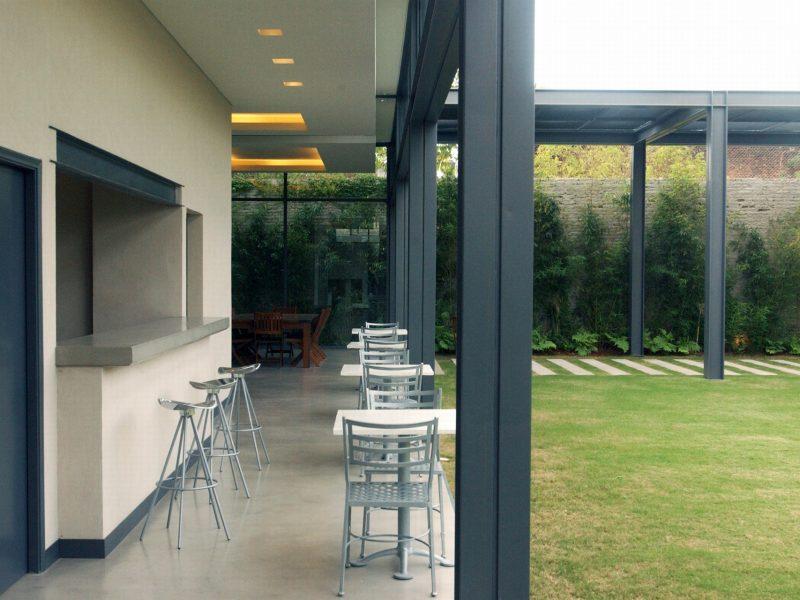 External bar (garden)