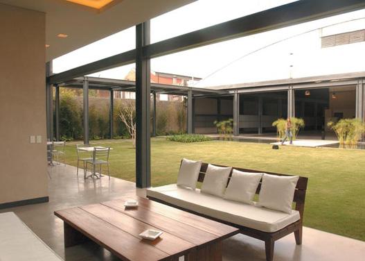 Living-room (garden)